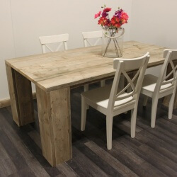Steigerhouten tafel model Chicago