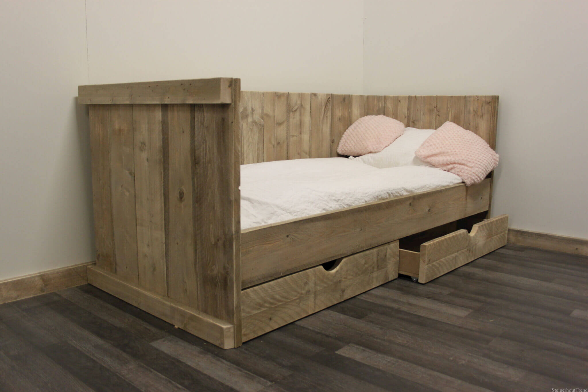 Steigerhout bed kind. affordable steigerhout bed frutto x with