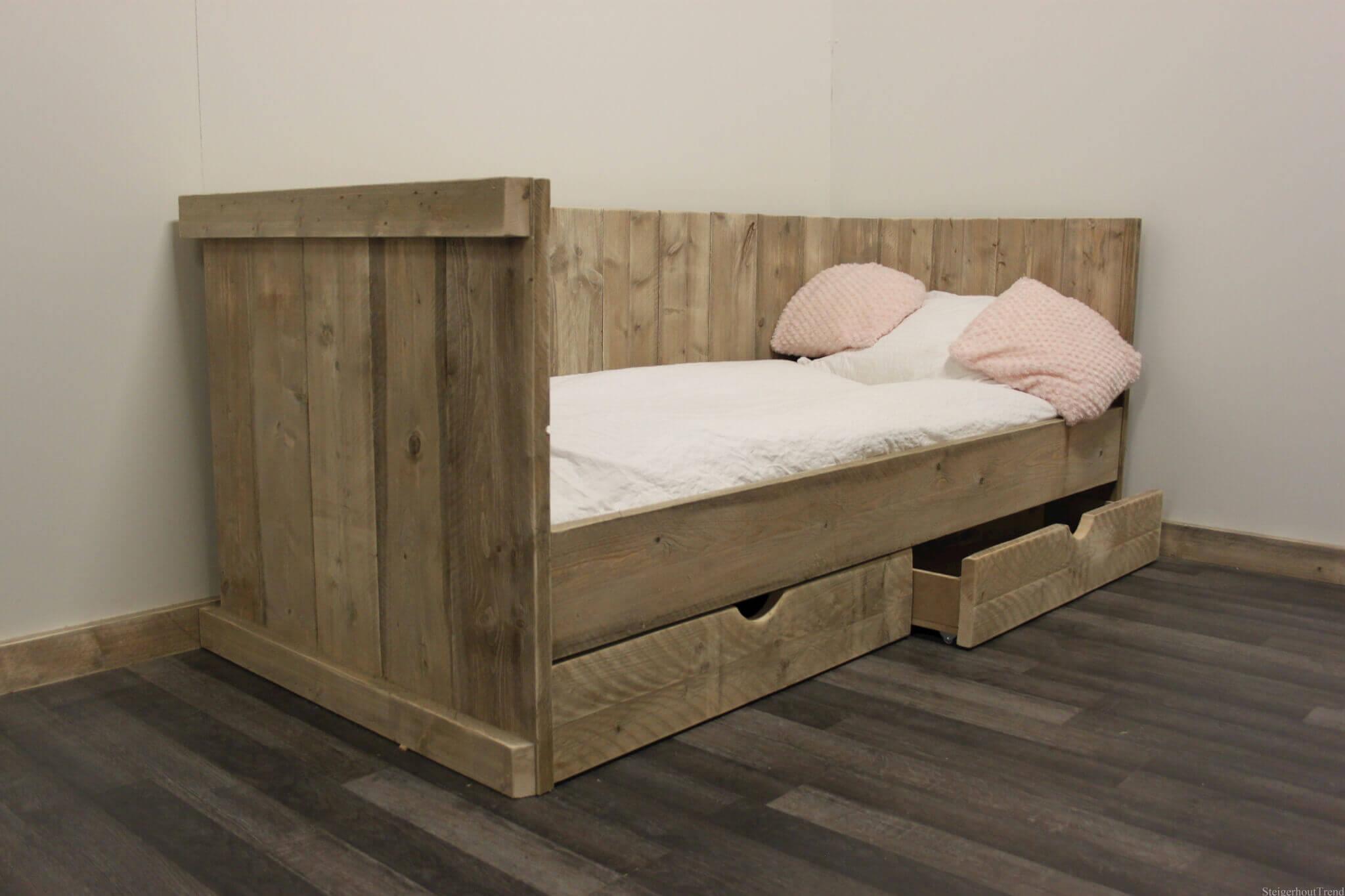 online slaapkamer meubels kopen: slaapbank matteo rood - hioshop, Deco ideeën