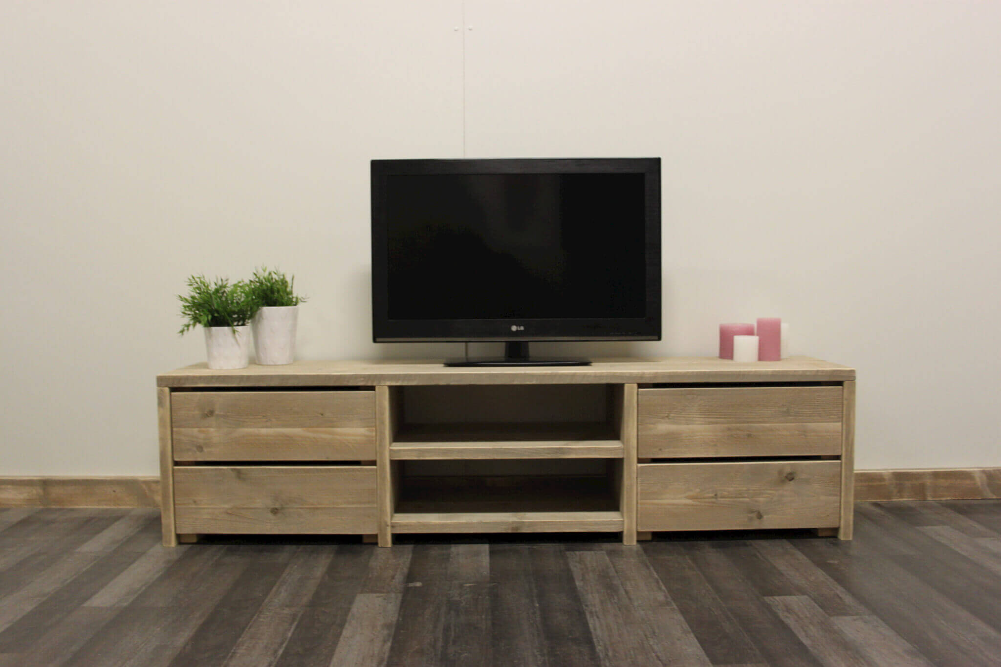 Steigerhouten tv meubel mariposa steigerhouttrend for Aanbieding meubels