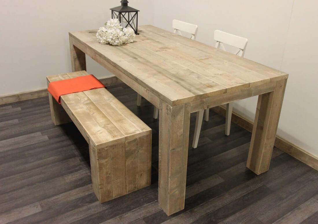 Mooie Steigerhouten Eettafel.Steigerhouten Tafel Met Stevige Poten Op Maat Gemaakt