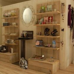 Steigerhouten meubelen voor winkel en kantoor
