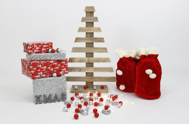 Steigerhouten kerstboom Santa