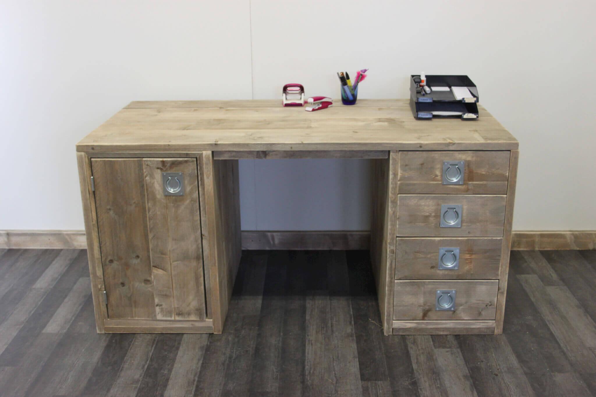 bureau zelf maken versterbank bureau met vakken zelf maken inspiratie cargo bureau 39. Black Bedroom Furniture Sets. Home Design Ideas