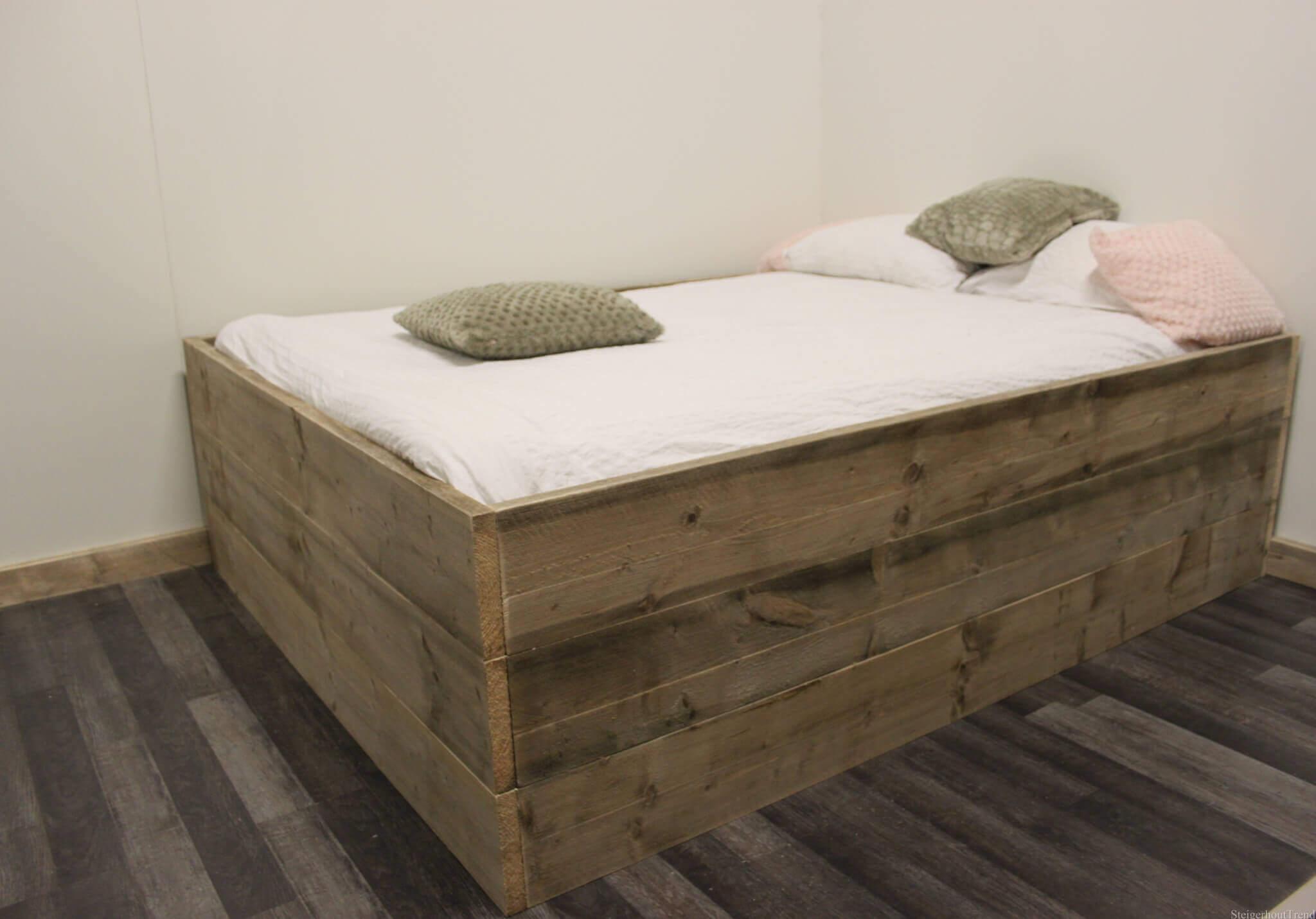 Steigerhouten bed odessa steigerhouttrend for Bed van steigerhout maken