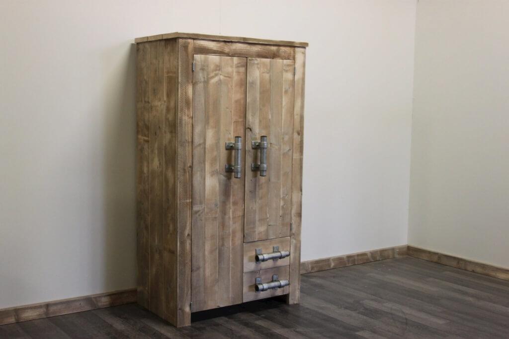 Steigerhouten kast provo steigerhouttrend for Meubels keukens bedden matrassen banken kasten ikea