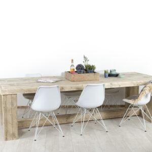 Steigerhouten tafel Lelystad met blokpoten en tussenbalk