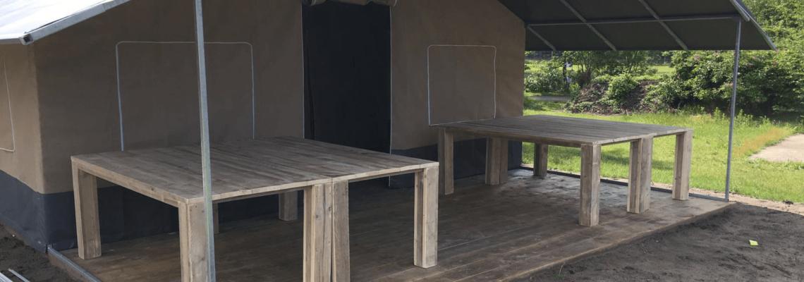 Steigerhouten tafels-camping Molencaten