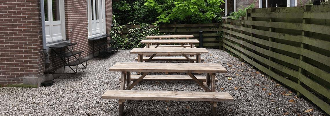 Stokane steigerhouten picknick tafels