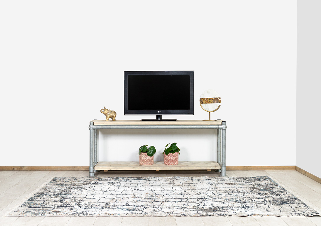 TV meubel Moneka met steigerbuizen frame