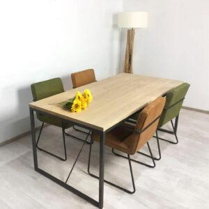 Eikenhouten tafel Lohn