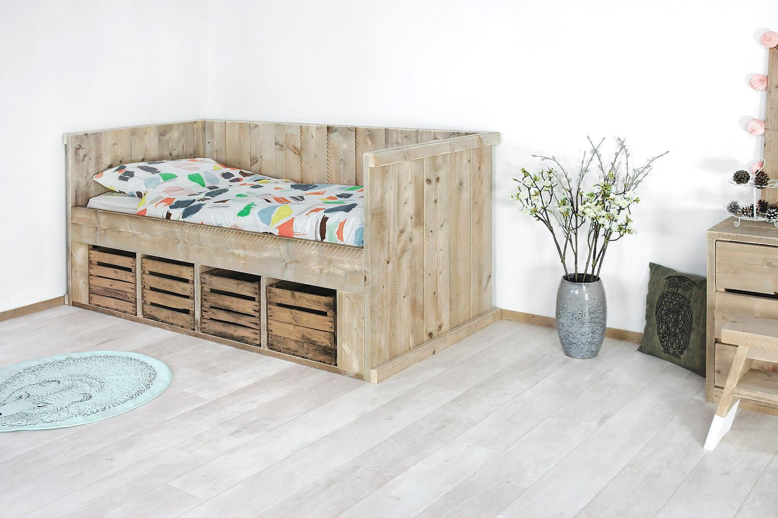 Bed steigerhout met verhoogd hoofdeinde meubelen van steigerhout