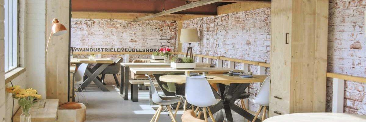 Showroom van industriele meubelen in Groningen