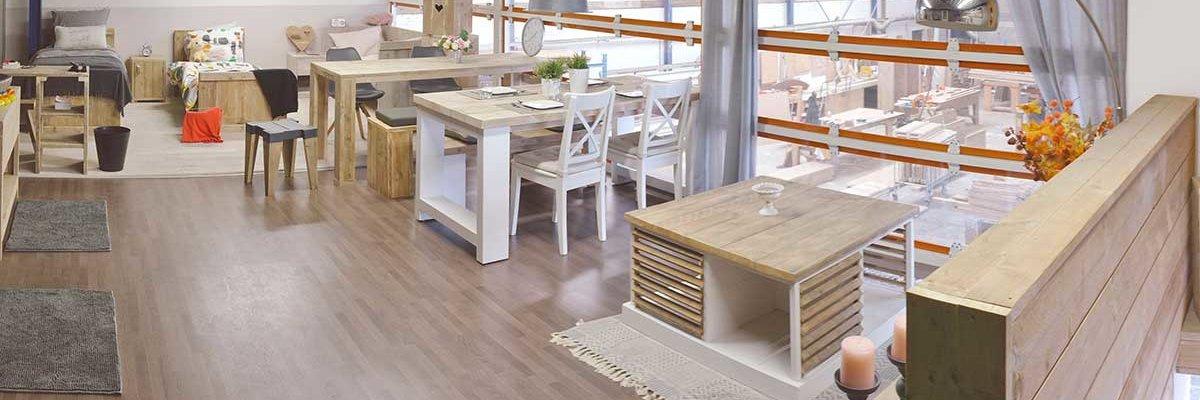 Showroom van steigerhouten meubelen in Groningen