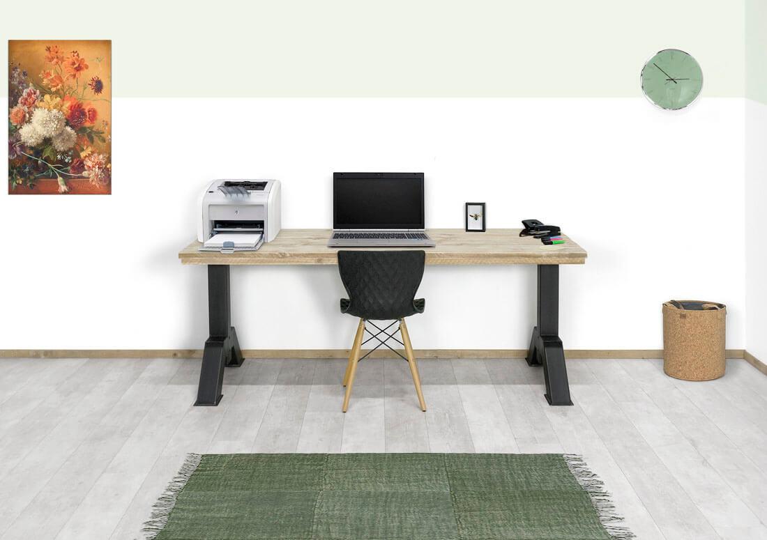 Steigerhouten bureau Finly