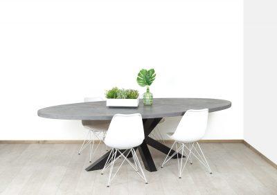 Betonlook tafel met industriële matrixpoot Swink