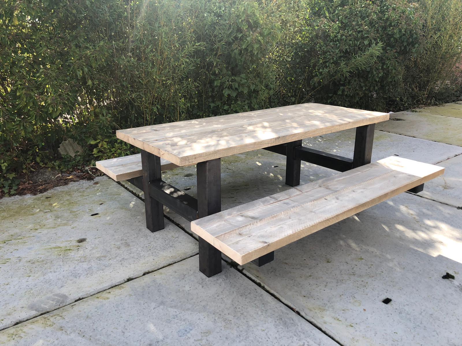 Steigerhouten picknicktafel Yale met industrieel frame