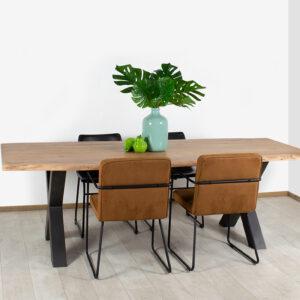 Acacia boomstam tafel Hutto met stalen kruispoten