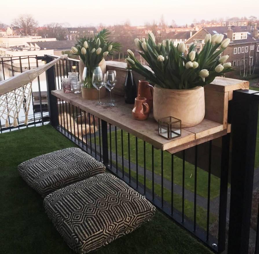Balkon bar van steigerhout