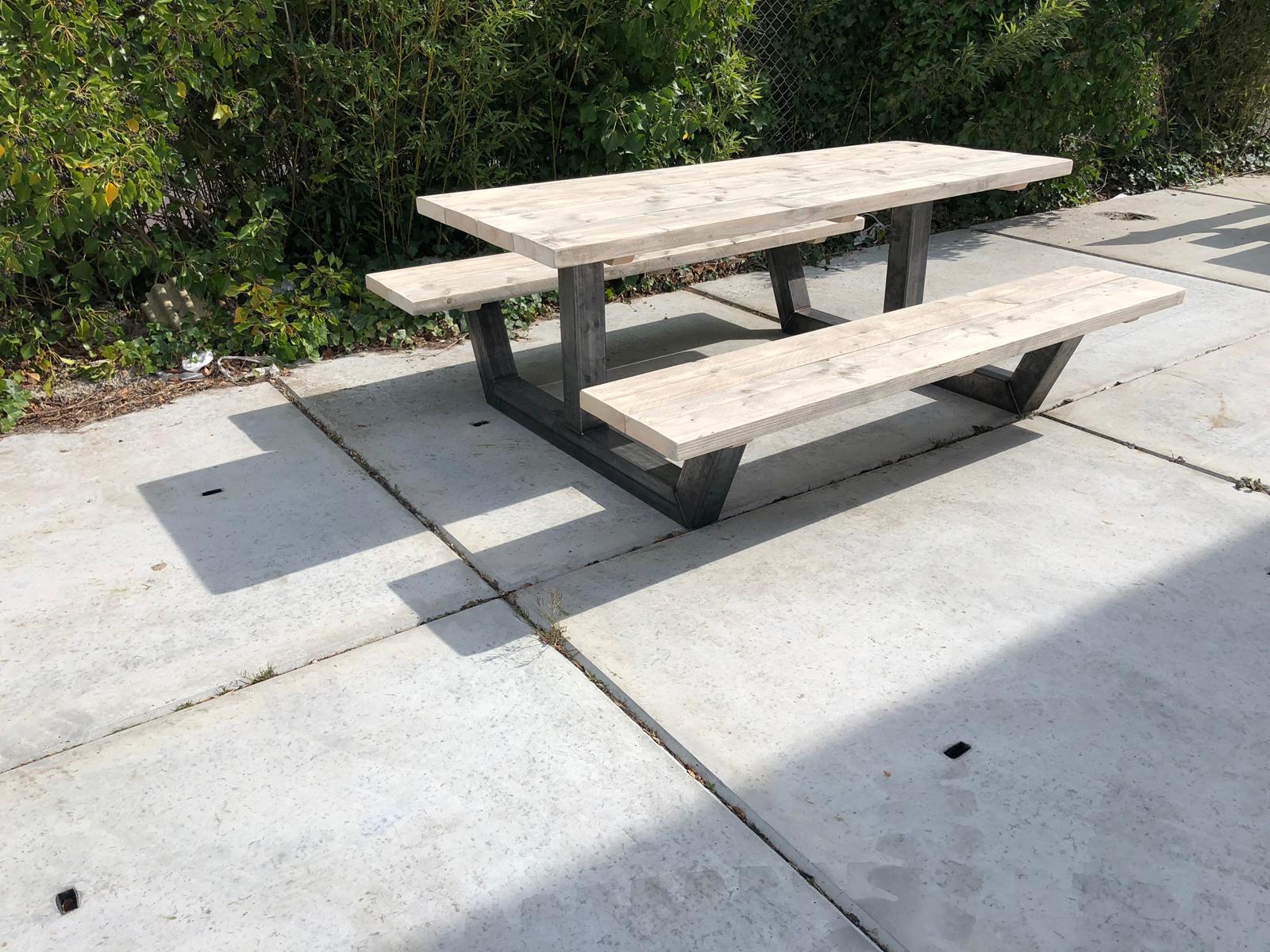 Steigerhouten picknicktafel Dogue met industriele poten