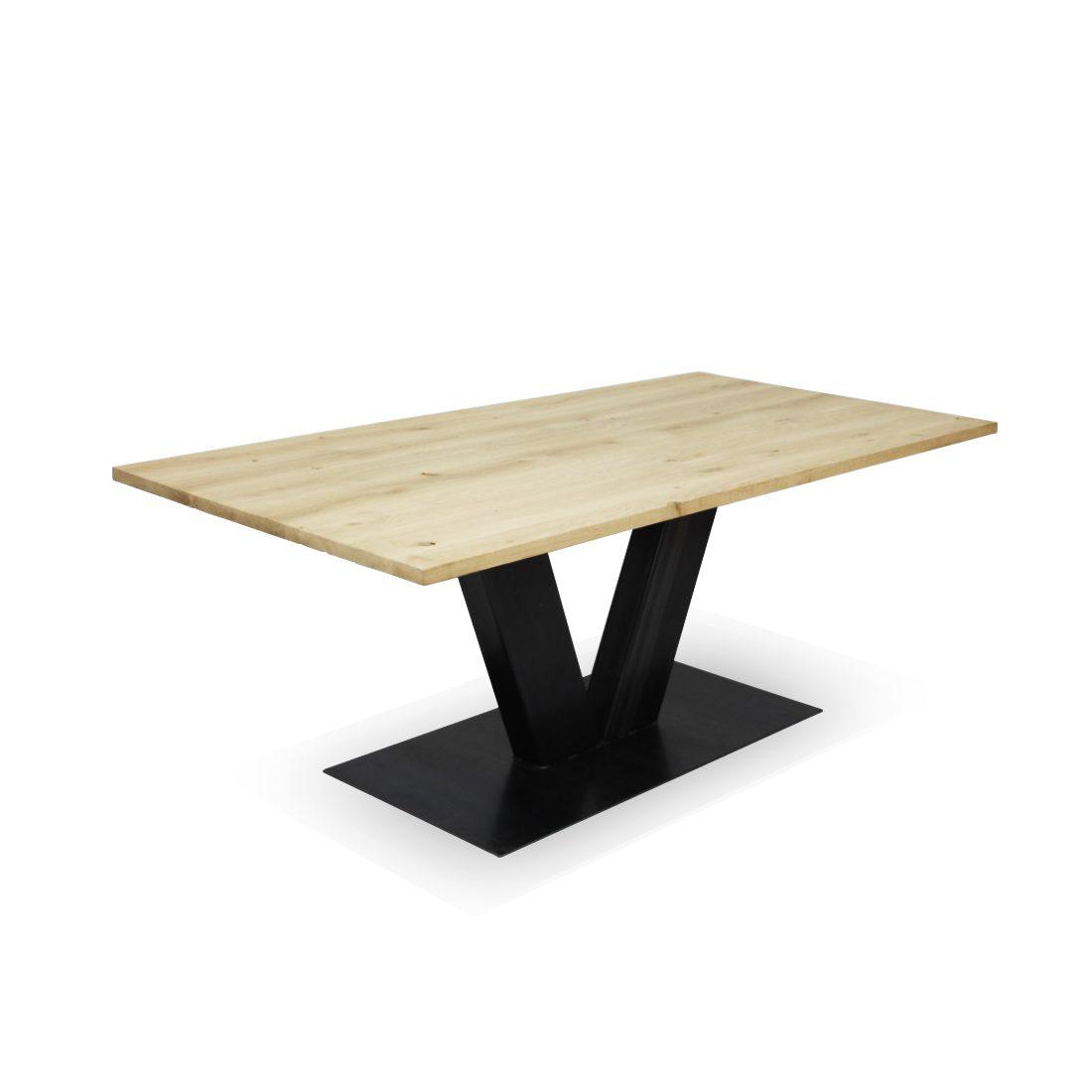 Eikenhouten tafel Julian met robuuste stalen V poot