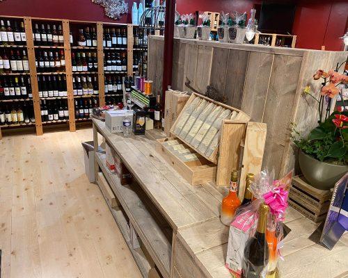 Steigerhouten displayblokken voor winkel